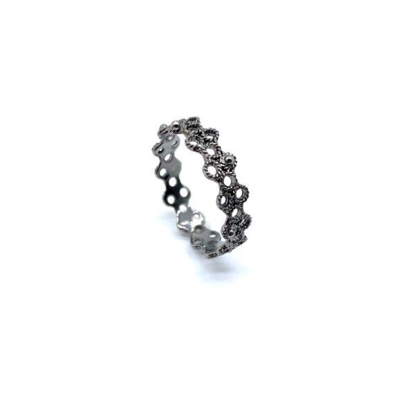 black-gold-ring
