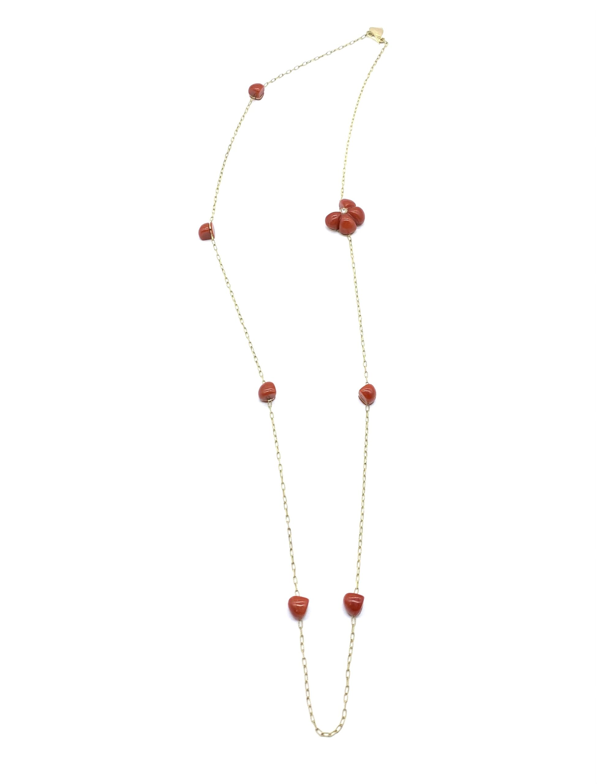 chain with coral